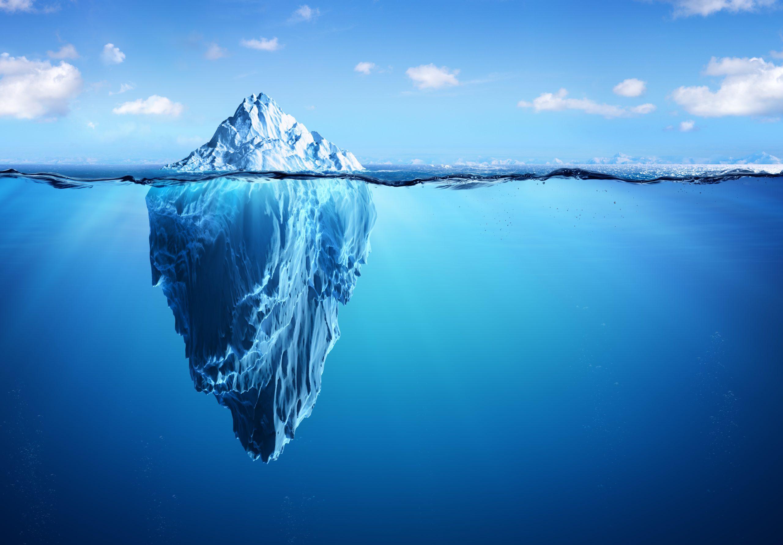Publier une photo sur Facebook, c'est la pointe de l'iceberg du travail de gestion de réseaux sociaux.